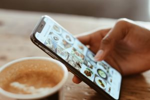 Read more about the article What You Need To Know About Instagram Carousel Ads
